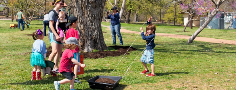 It's My Park Day Spring 2016. Photo by J. Potter-Miller.
